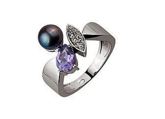 Золотое кольцо с аметистом, черным жемчугом и фианитами