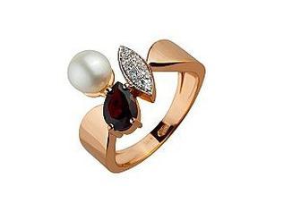 Золотое кольцо с гранатом, белым жемчугом и фианитами
