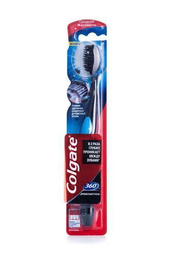 Зубная щетка Colgate 360 Древесный уголь средняя