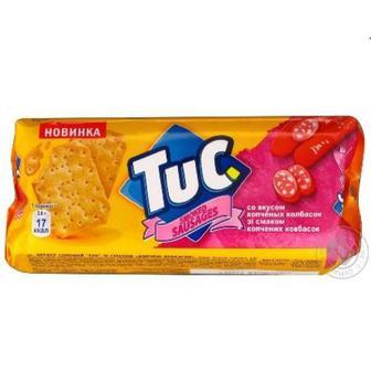 Крекер солоний або зі смаком копчених ковбасок Tuc 100 г