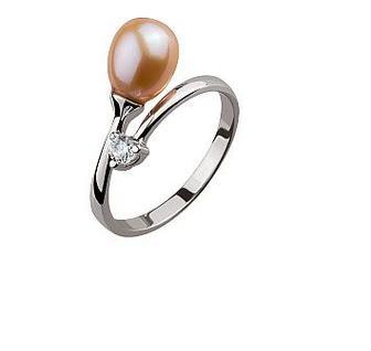 Золотое кольцо с розовым жемчугом и фианитами